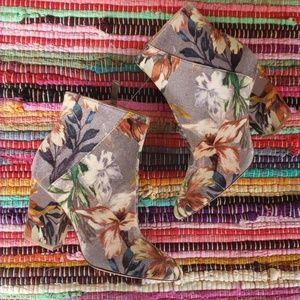 Nine West Velvety floral booties sz 5 NWOT
